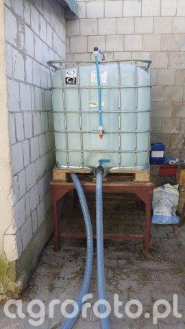 Zbiornik do napełniania opryskiwacza