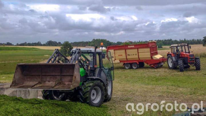 Deutz Fahr Agrofarm 85 + Stoll 15