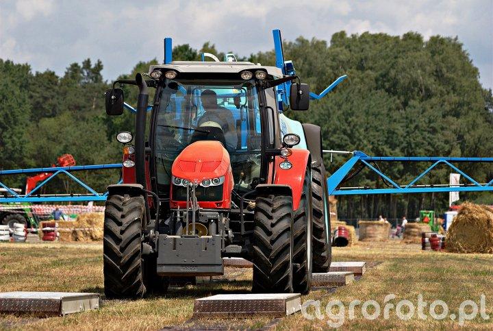Massey Ferguson 5612 + Berthoud Tenor 45-46