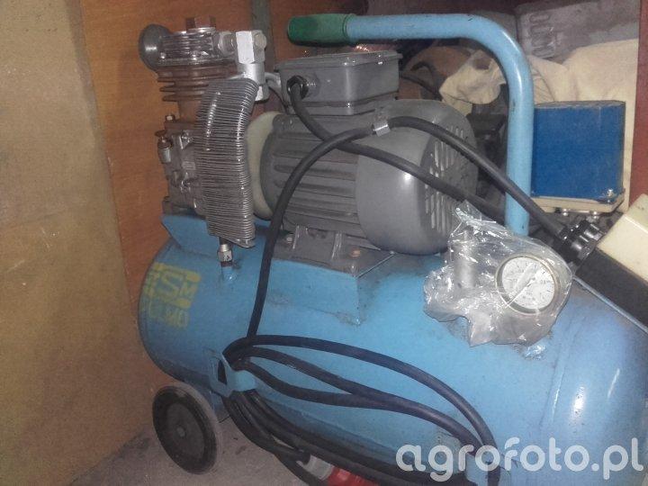 Kompresor Polmo AHS 23R