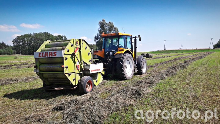 Renault Ares 556 RZ & Claas Rollant 44