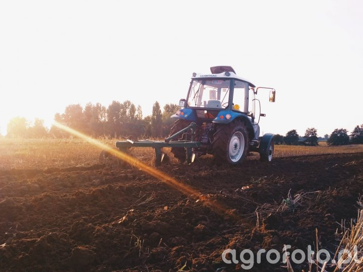 Farmtrac 555 DT