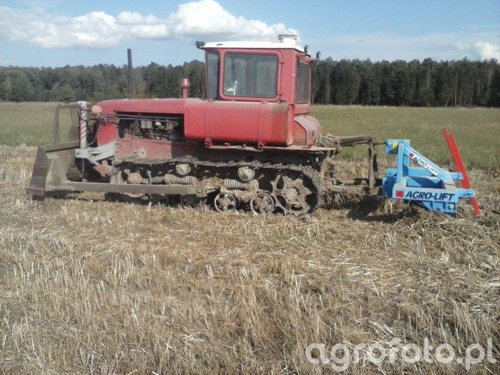 DT-75 & AgroLift