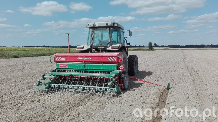 MF 6140 & Agro-Masz SR300