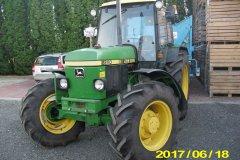 John Deere 2250