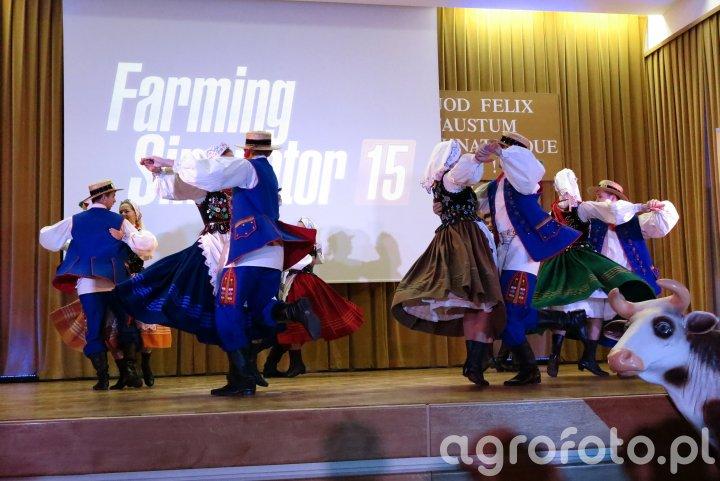 Premiera Farming Simulator 15