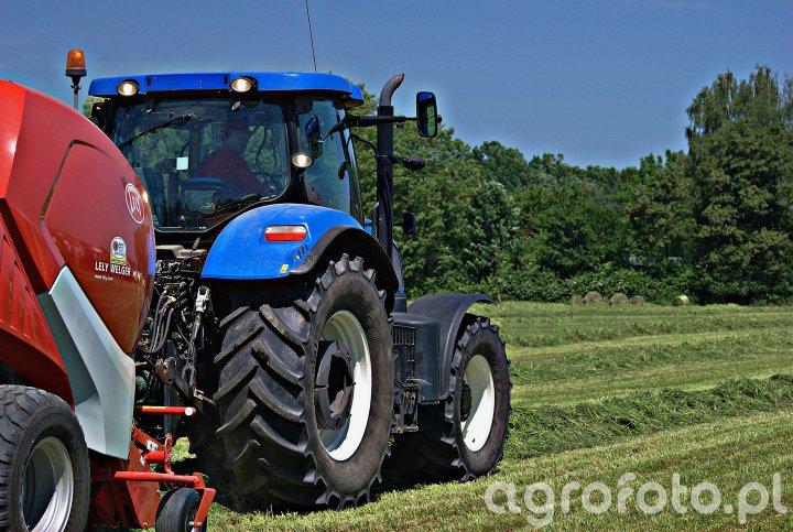 New Holland T6020 + Lely Welger RP245
