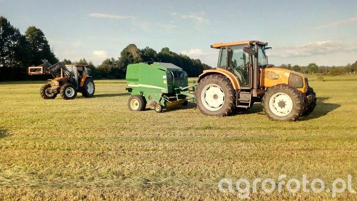 Renault Ares 566 RZ+JD 568 i Renault Ceres 330+MX100