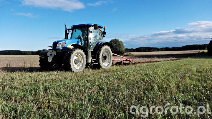 New Holland T6050+ Unia Tur 40