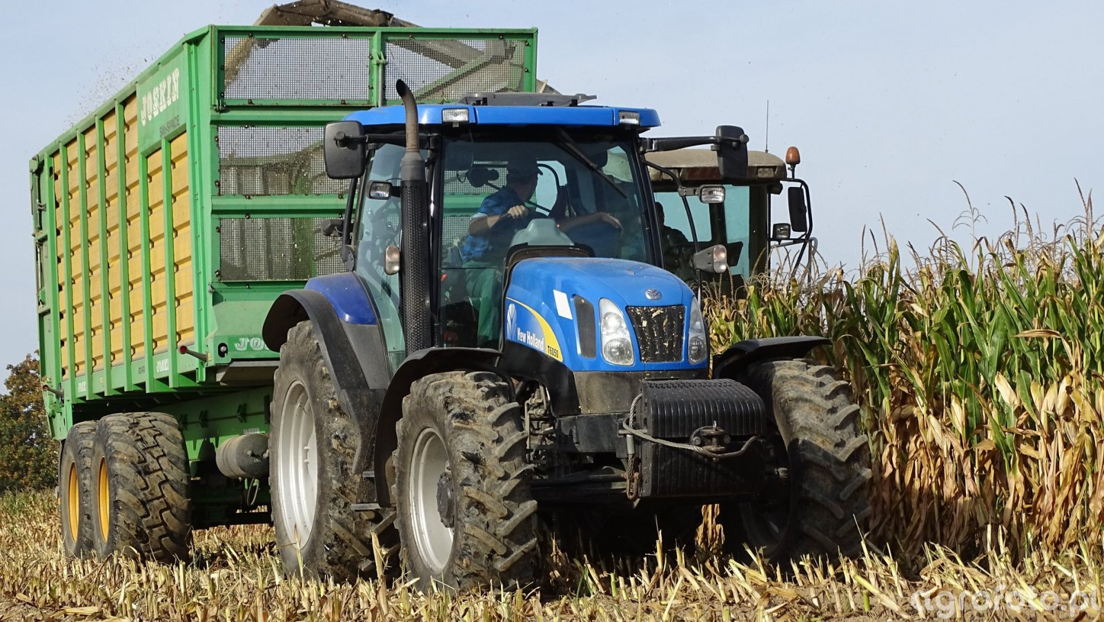 New Holland t6070 & Joskin 20/40