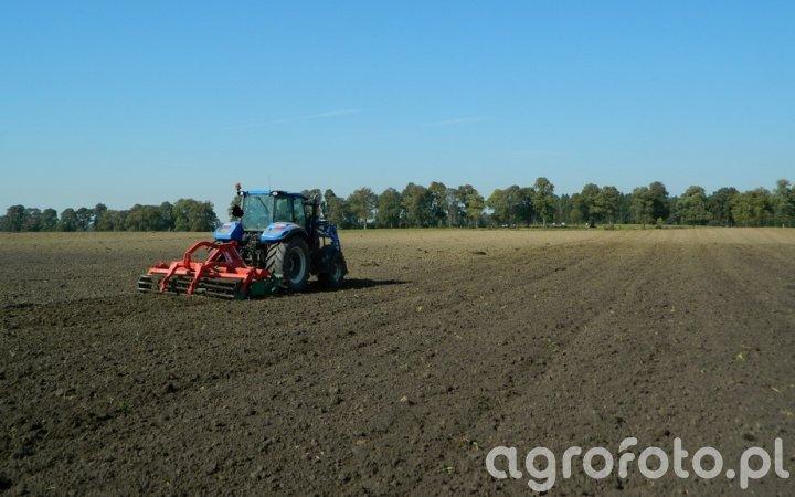New Holland T5.105 DC / Agro-Masz AT270