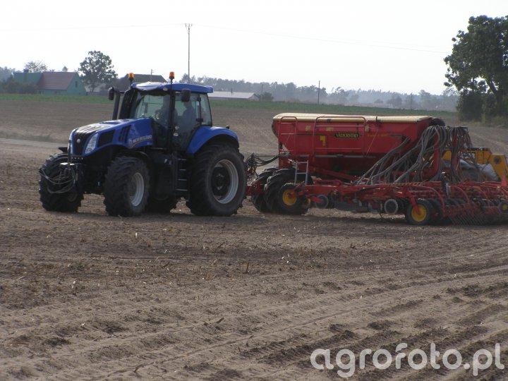 New Holland T8.330 & Vaderstad Rapid A 600C