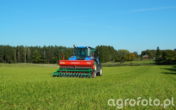 New Holland T5.105 / Agro-Masz SR300 Talerzowy