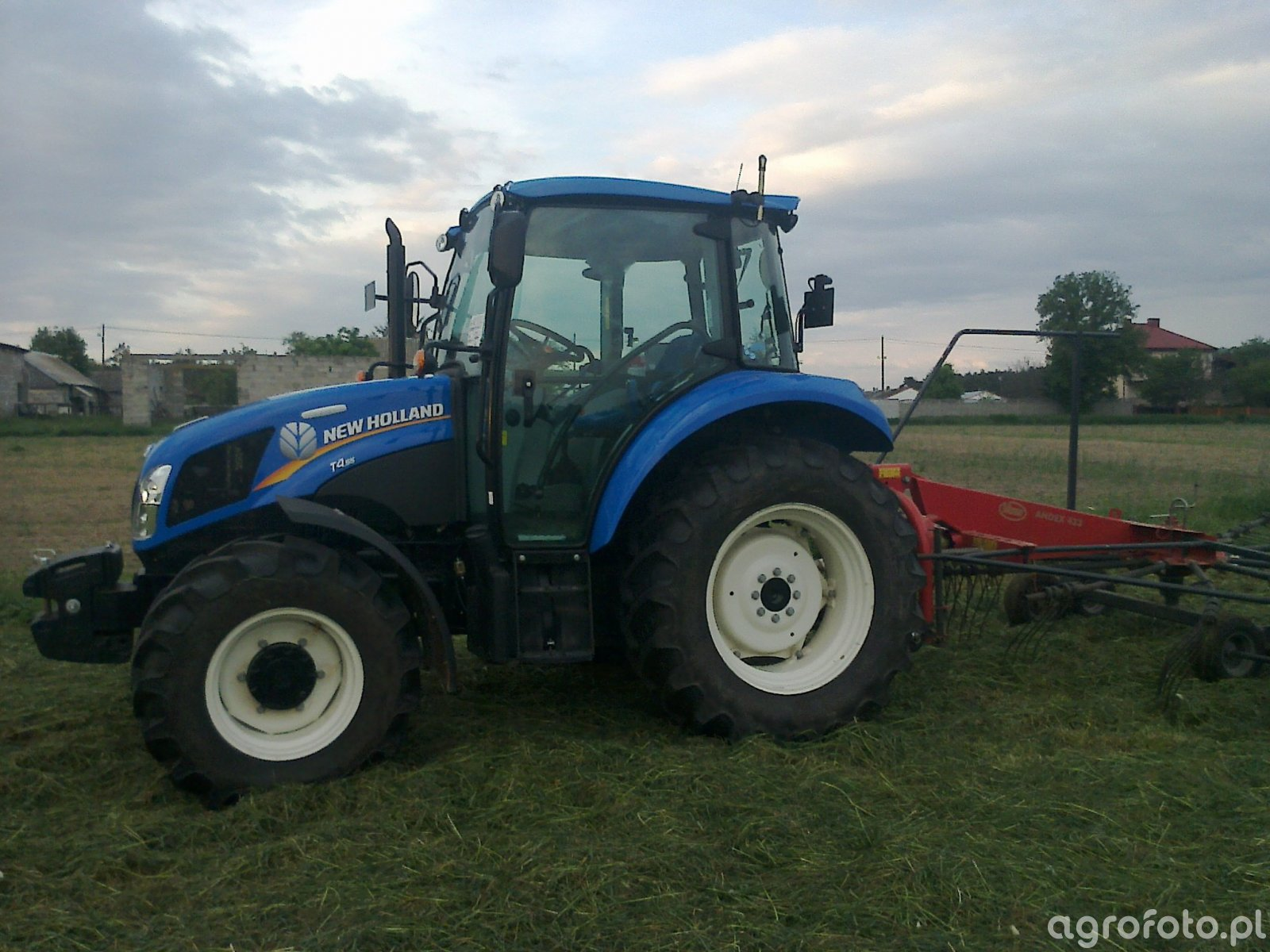 New Holland T4.55 + Vicon Andex 433