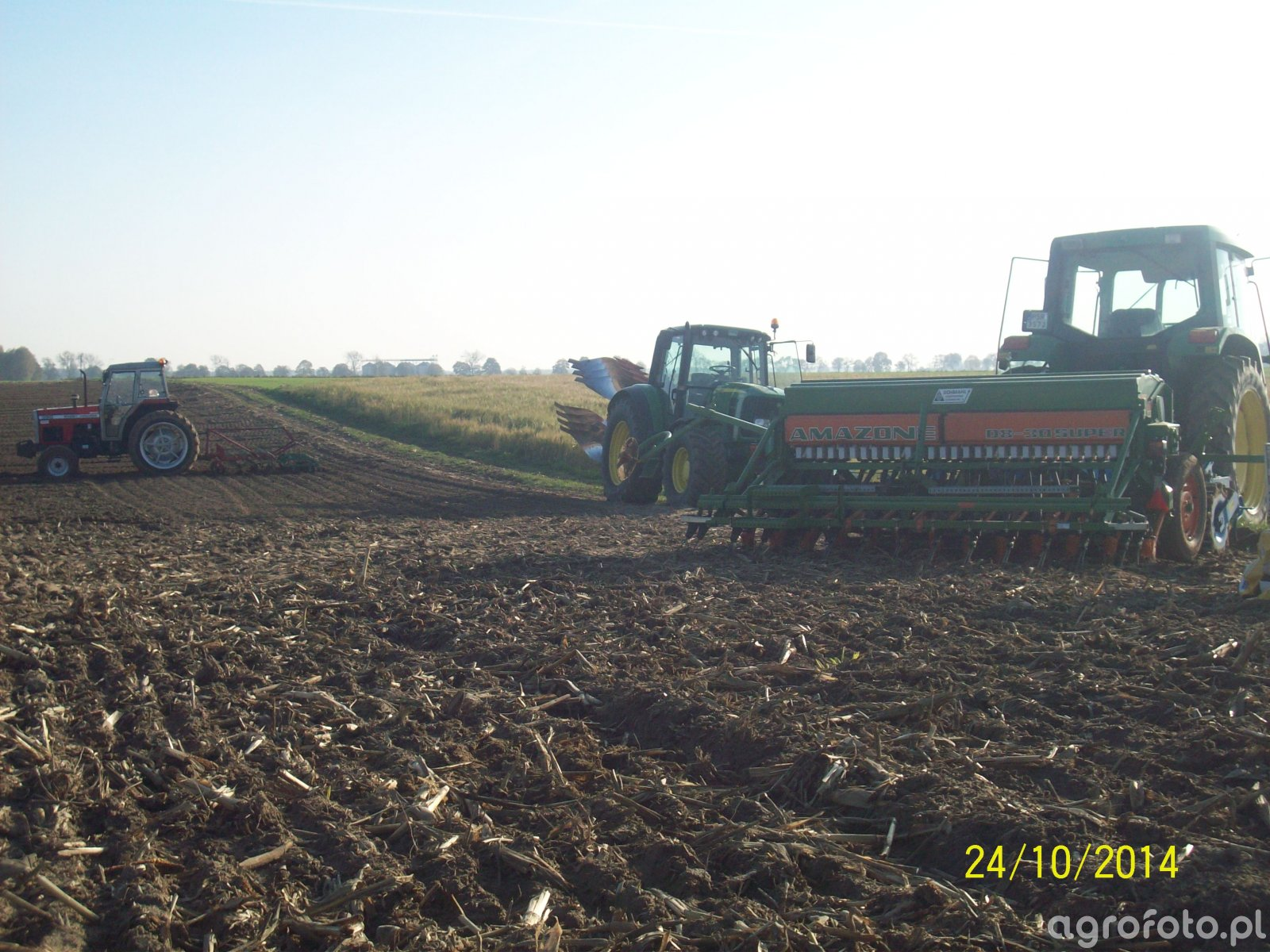 John Deere 6200 & Zestaw uprawowo-siewny & John Deere 6630 & KUHN multimaster 112 & Mf 390 & Brony