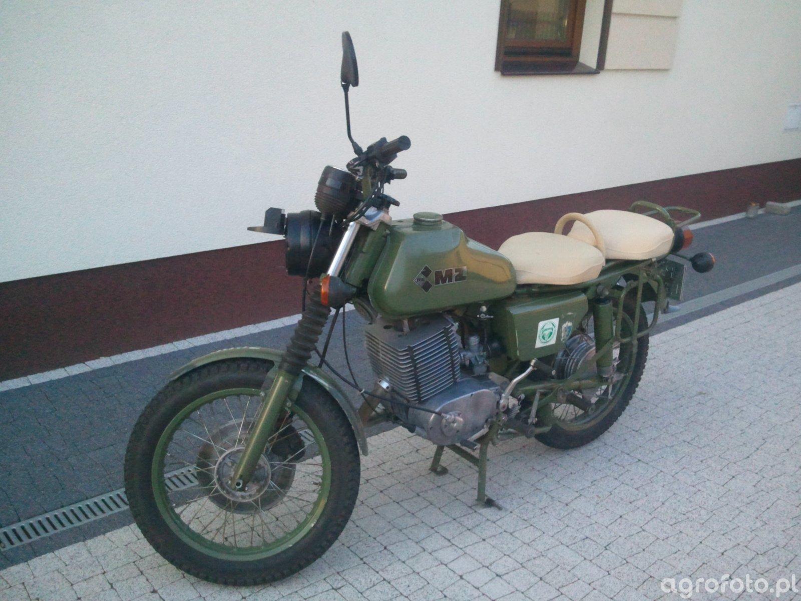 MZ 250 A NVA