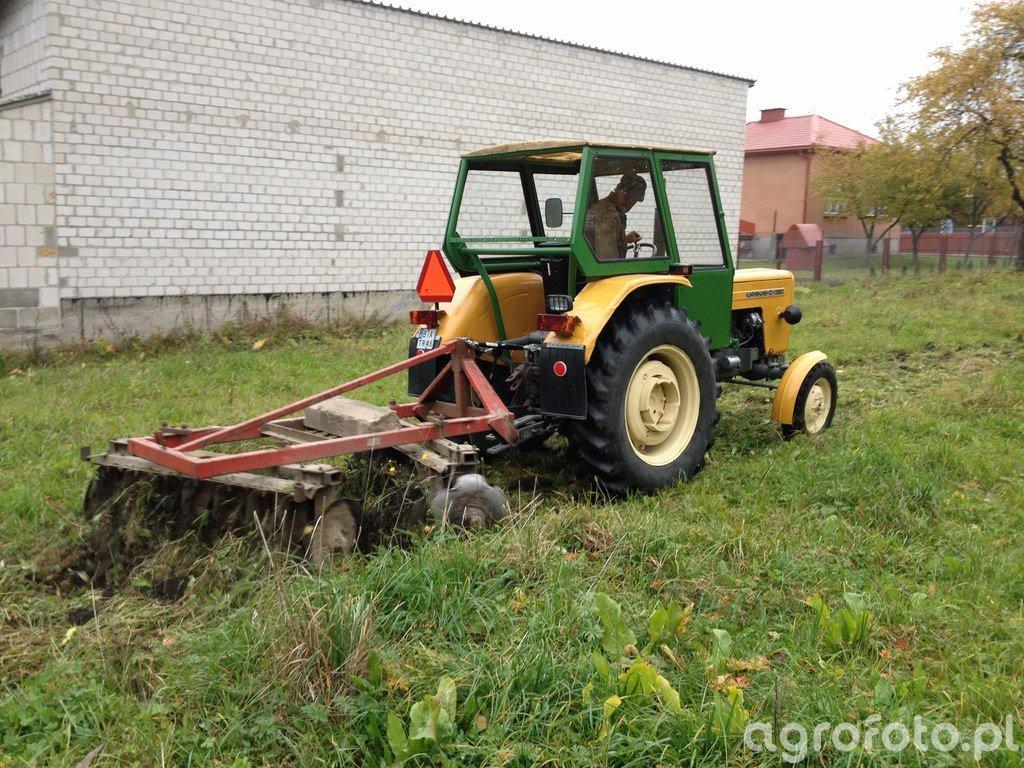 Fotografia Ciagnik Ursus C 360 Talerzowka 465616 Galeria Rolnicza Agrofoto