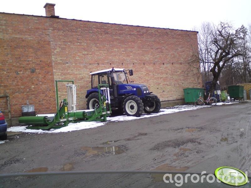 Farmtrack 675 dt + Tekla