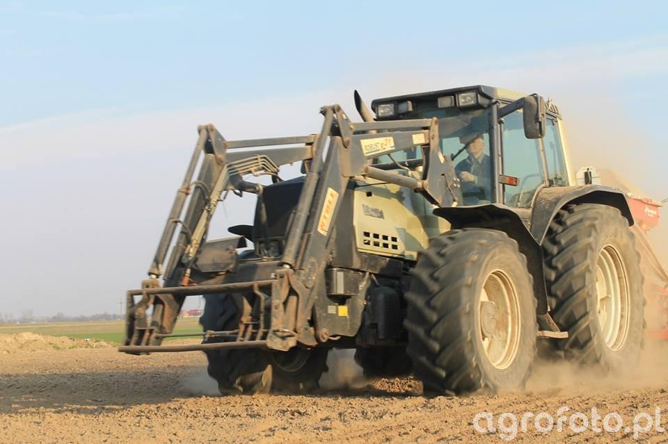 Valtra 8550 + Kverneland Accord 3m