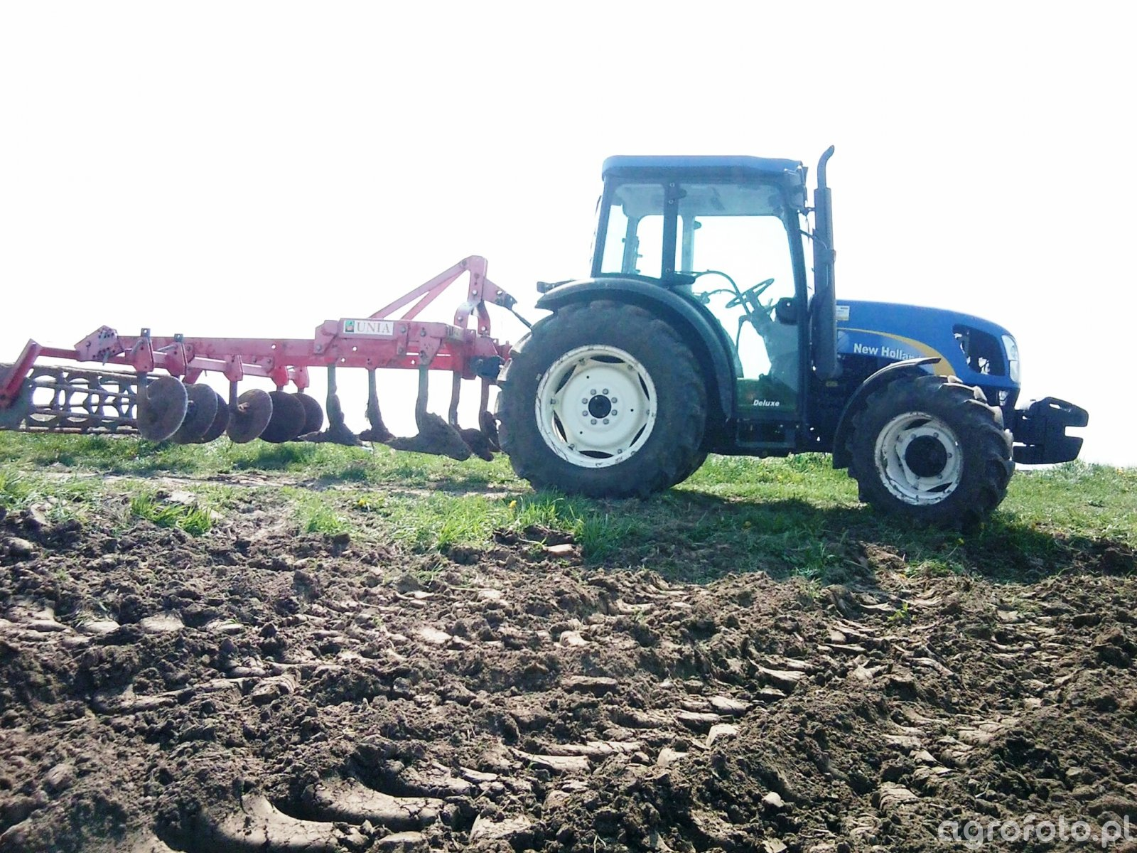 New Holland T4030 Deluxe i Unia KOS 2.1