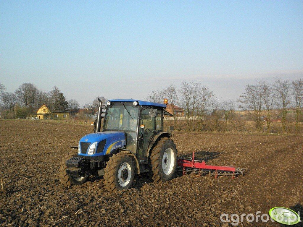 New Holland T4020 + POM Augustów 5
