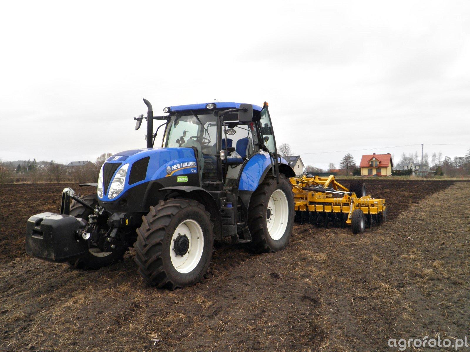 New Holland T7 & Staltech