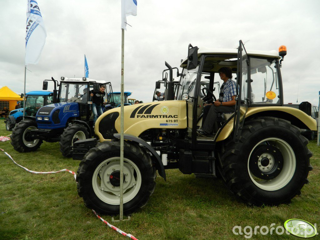 Farmtrac 675 DT w złocie