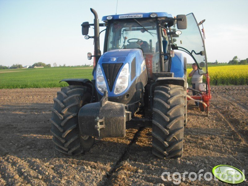 New Holland 7.220 + KUHN