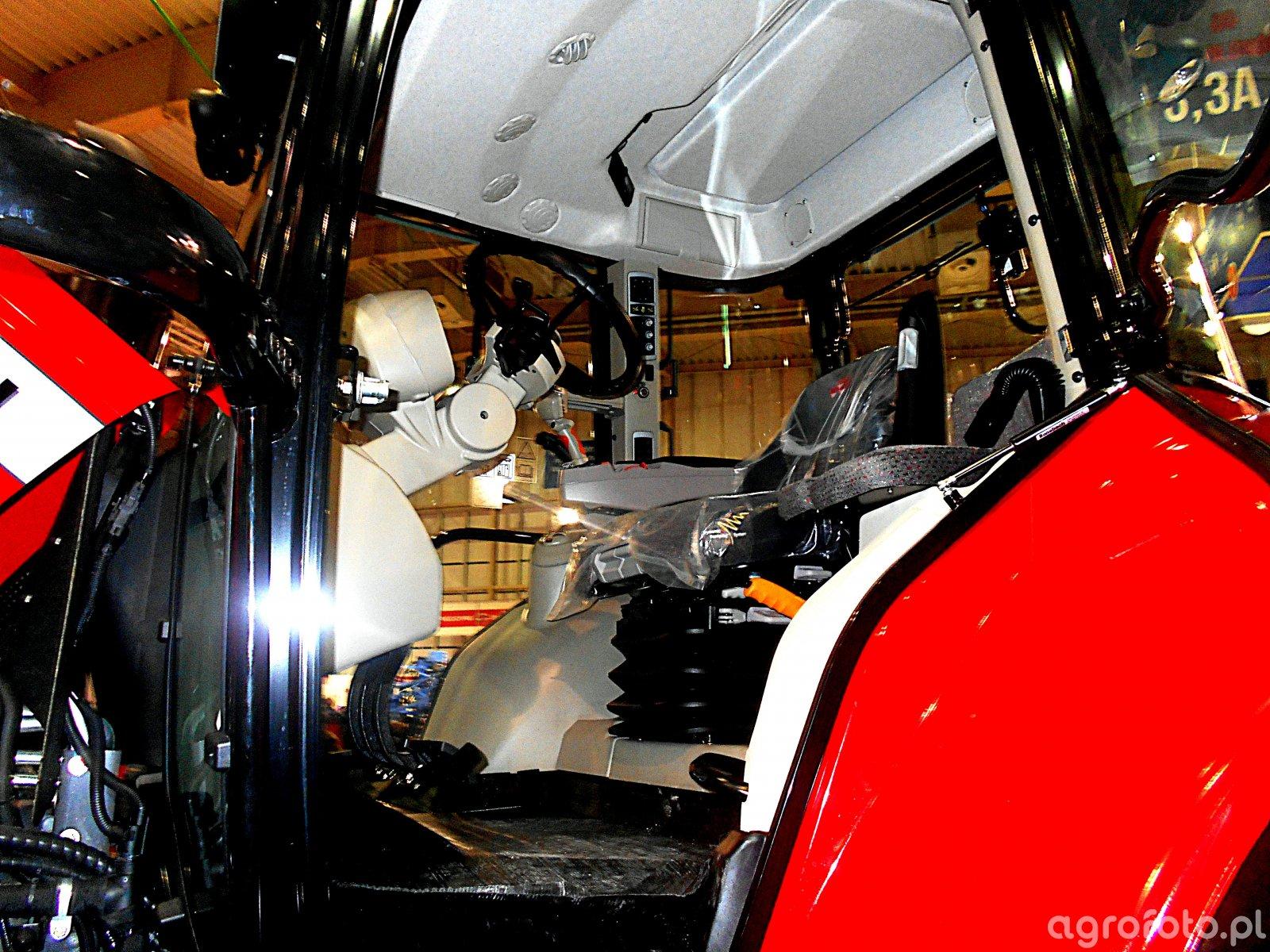 Massey Ferguson 7619 w kabinie