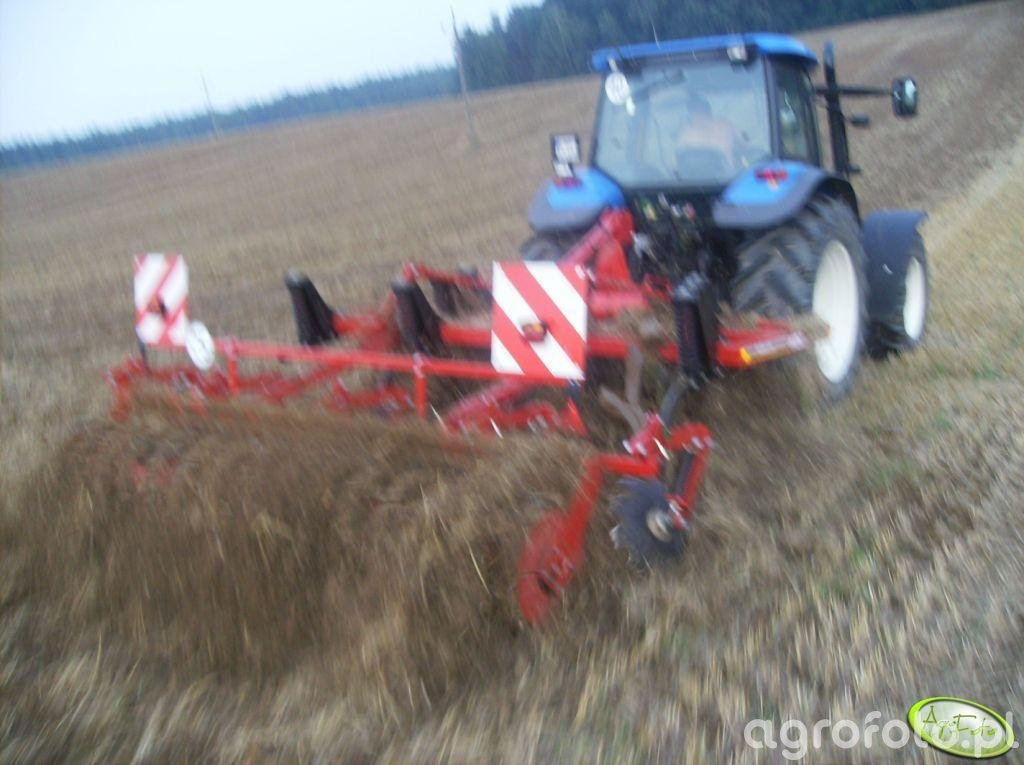 NH TM130 + HORSCH