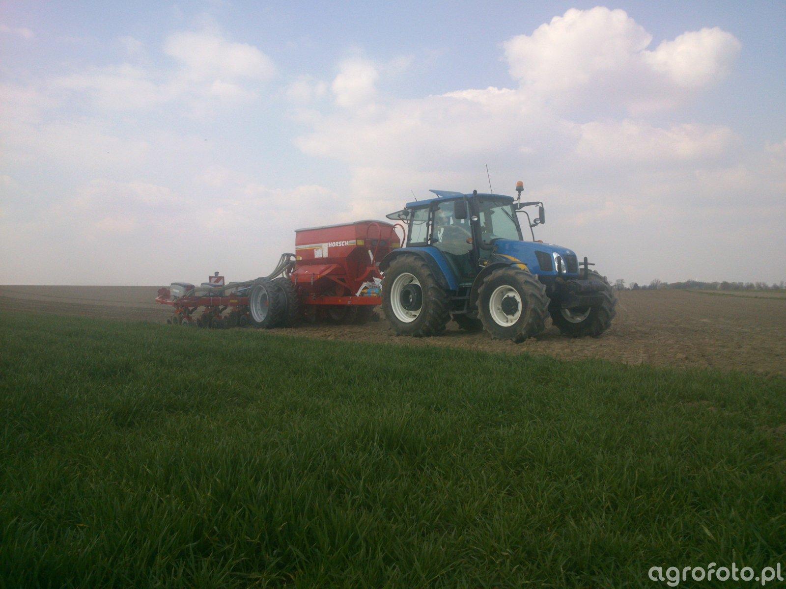 New Holland T5070 & Horsch Maestro 8.75 CC