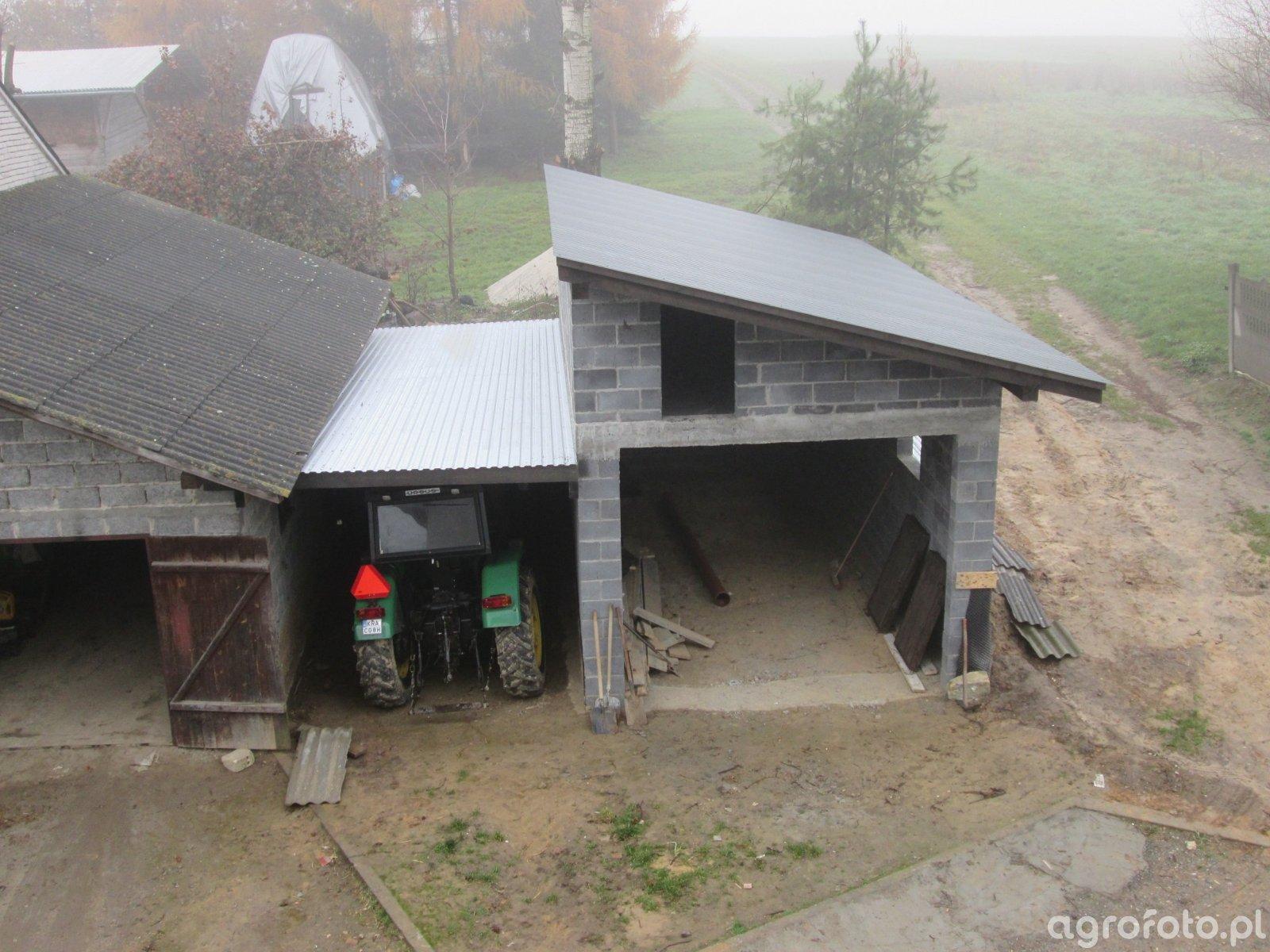 Garaż i przybudówka