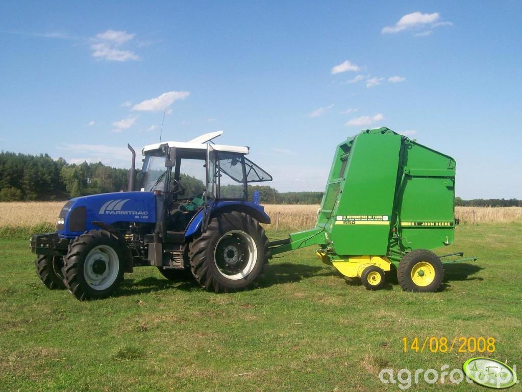 Farmtrac 80 i JD 550
