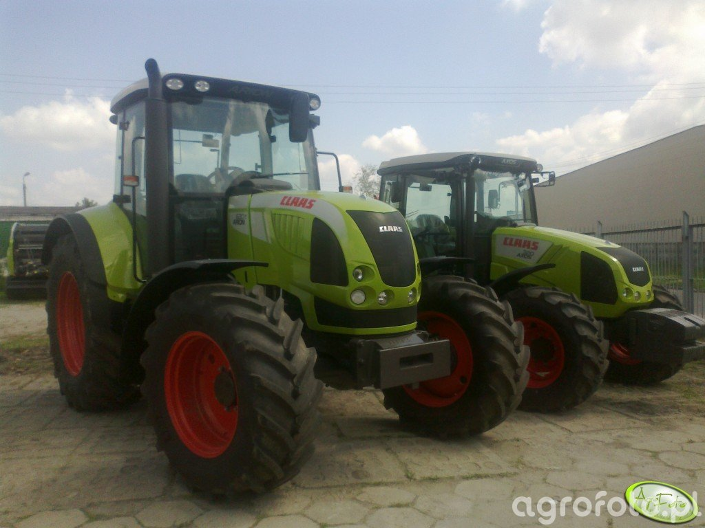 Claas Arion 620C + Axos 320CX