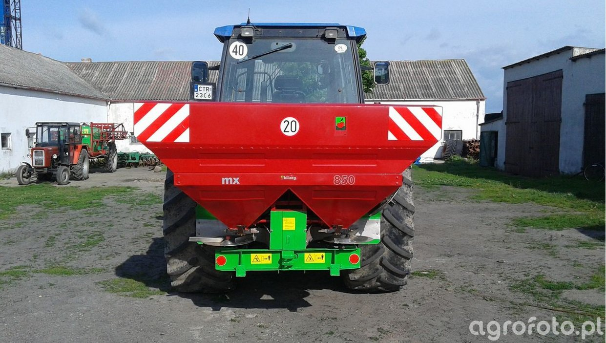 Rozsiewacz MX 850