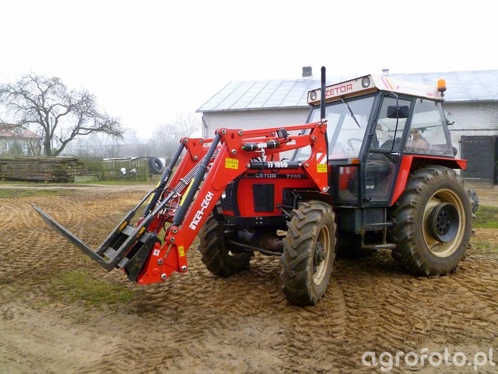 Zetor 7745 + iT1600 + Paleciak