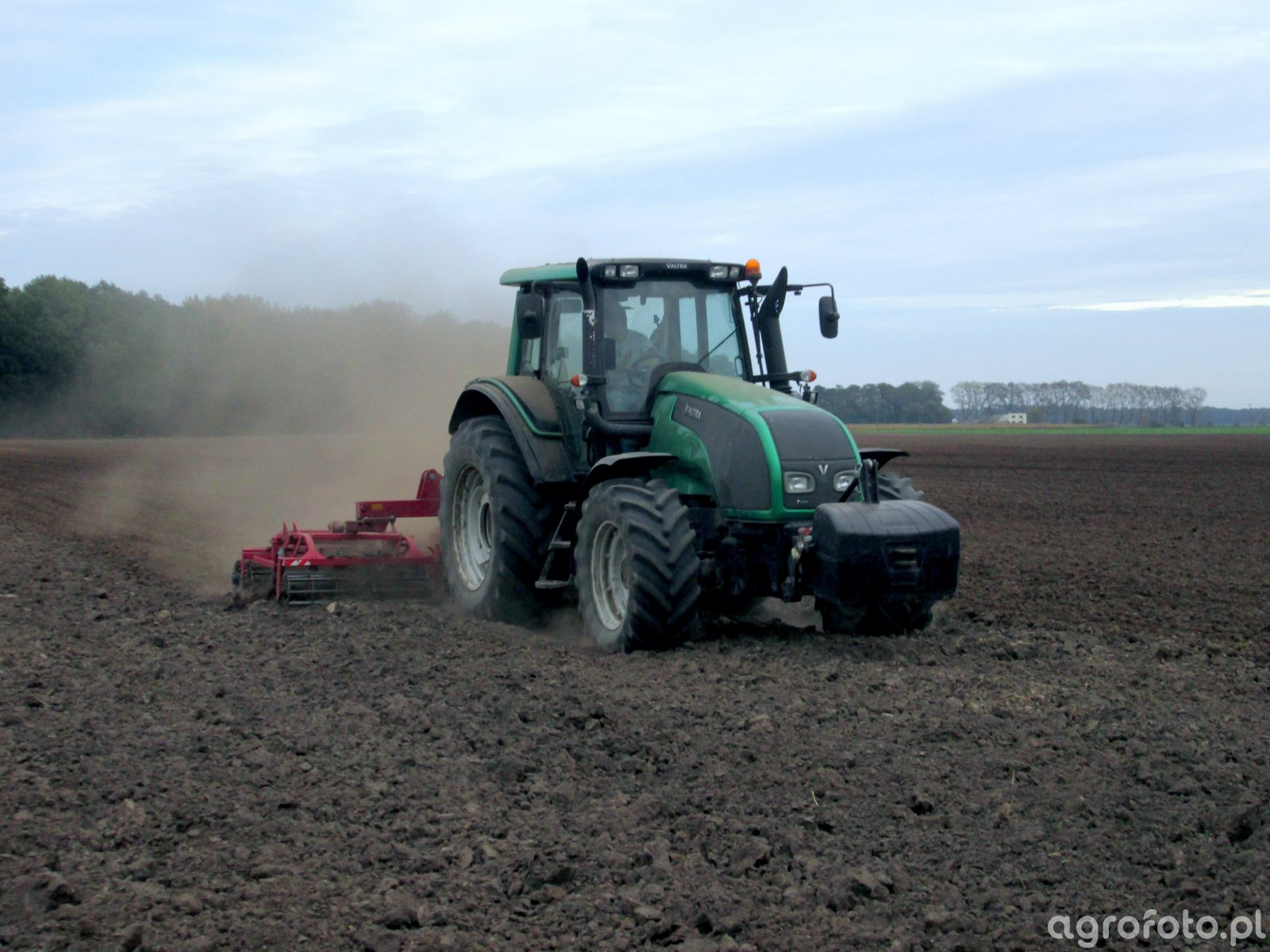 Valtra T.131 + Expom Wicher