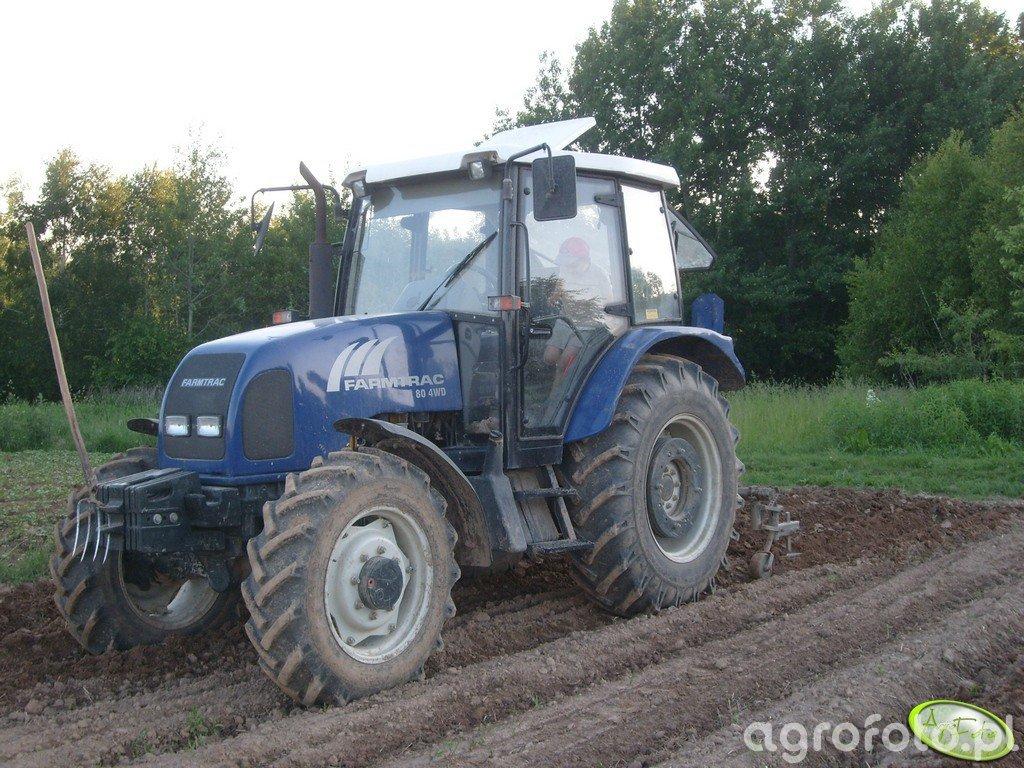 Farmtrac 80 4WD + obsypnik