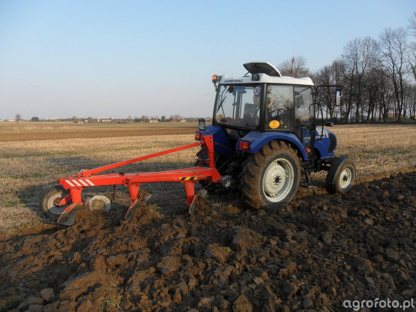 Farmtrac 555 + Awemak 3x40