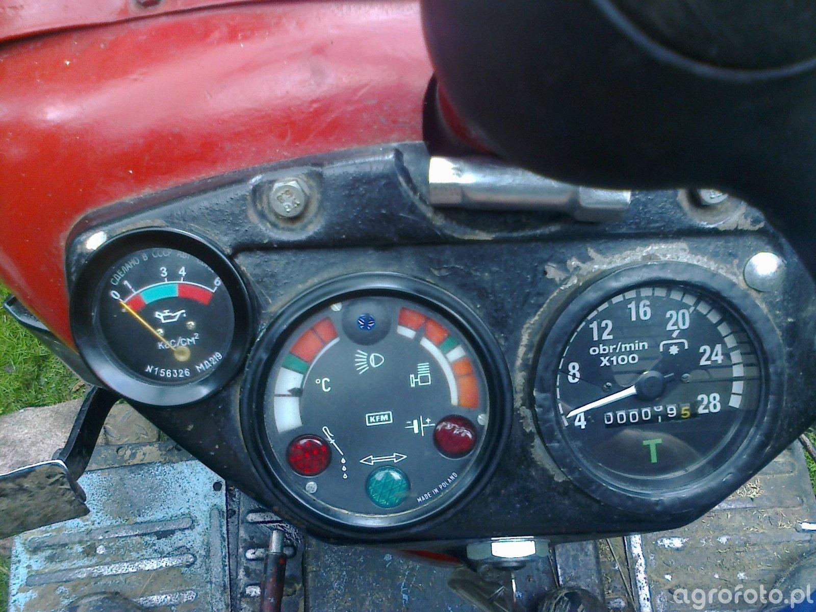 Zegar ciśnienia oleju w Ursusie C-360