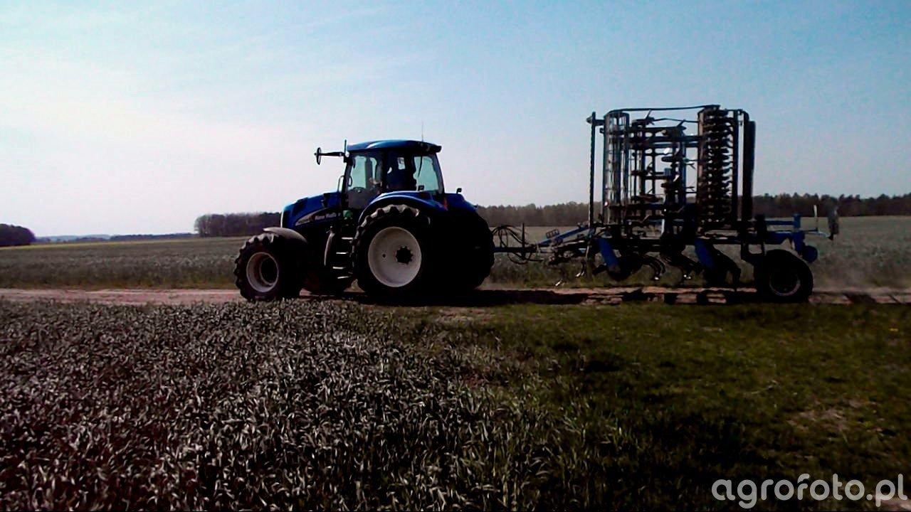 New Holland TG255 & Farmet