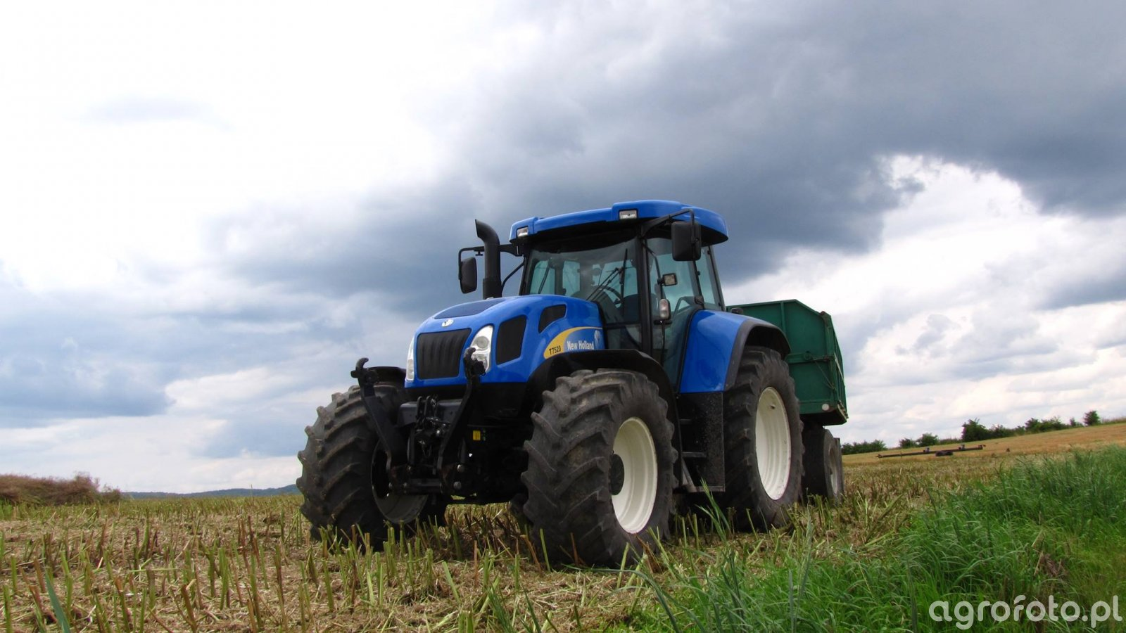 New Holland T7520