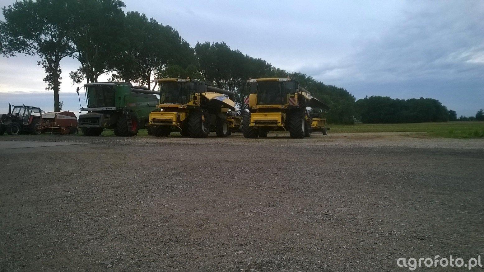 New Holland CX 8070 & CX 8060