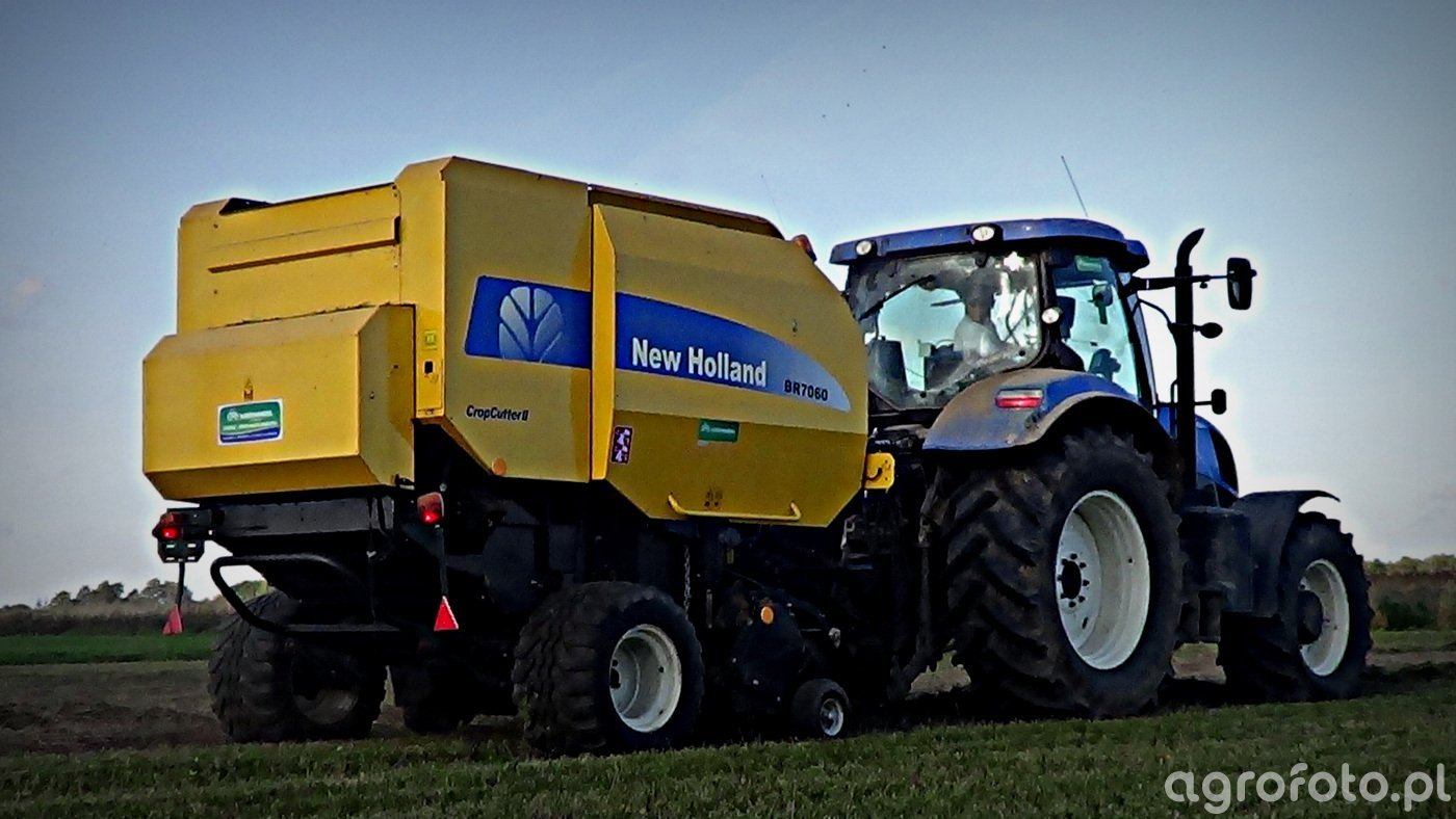 New Holland T7.200 + BR 7060.