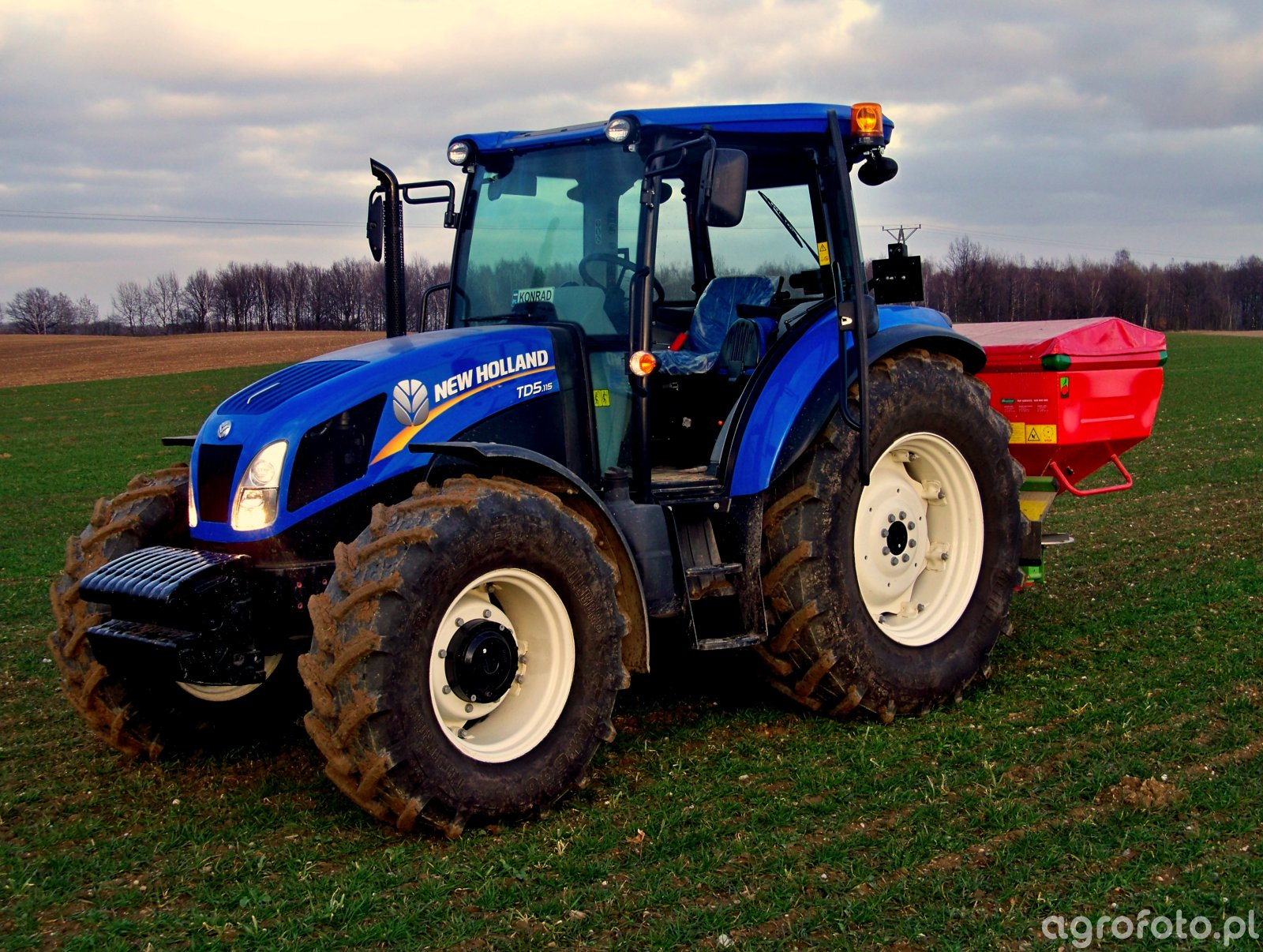 New Holland TD5.115 & Unia Brzeg MX Premium 1200