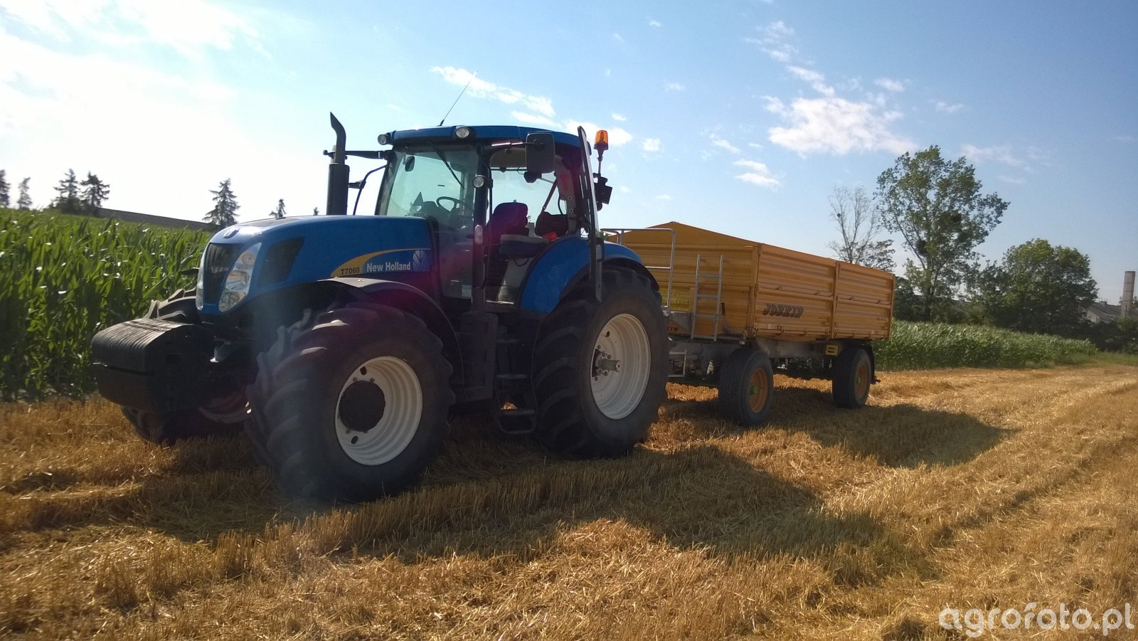 New Holland T7060