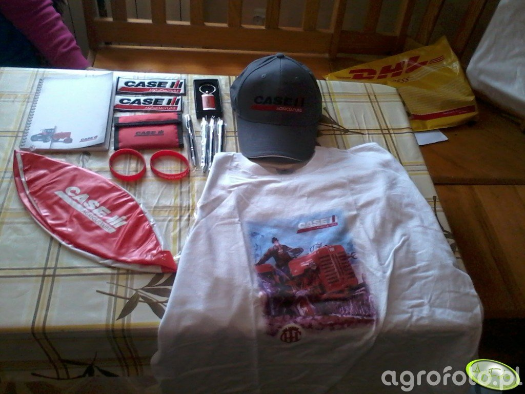 Koszulka, czapeczka i inne