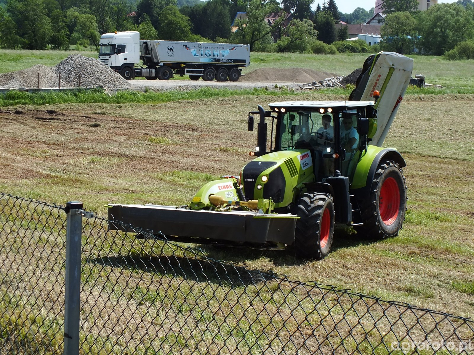 Claas Arion 630 & Disco