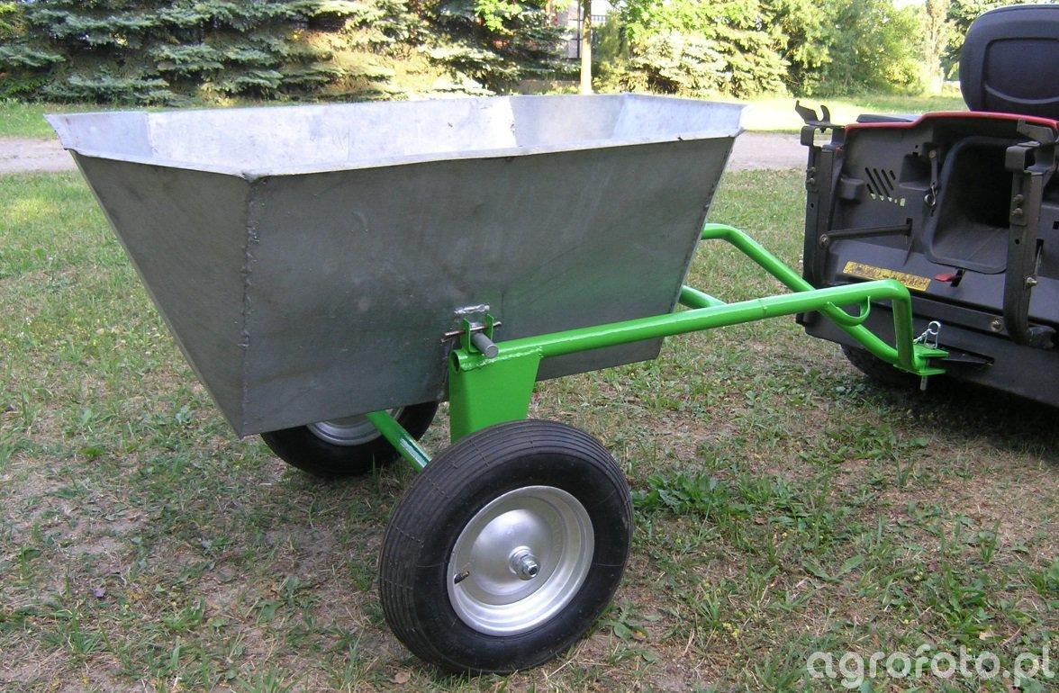 Przyczepka do traktorka