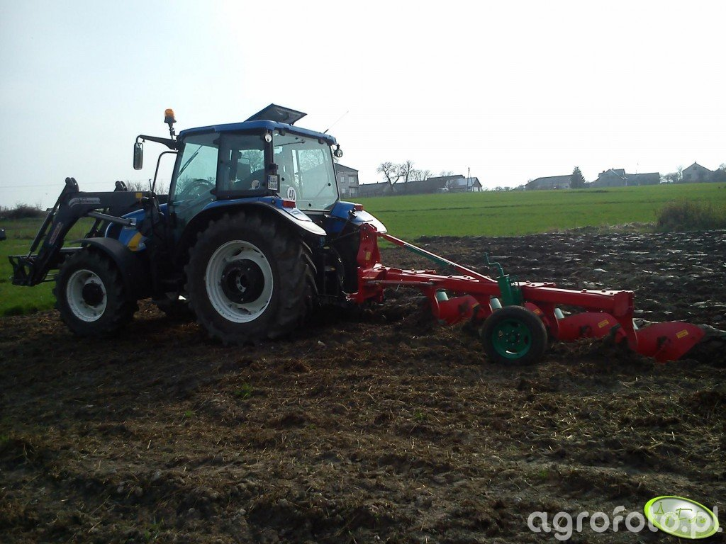 New Holland T5040 + Agro-masz PJ 4